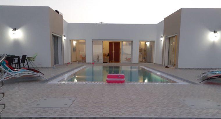 villa avec piscine sans vis avis